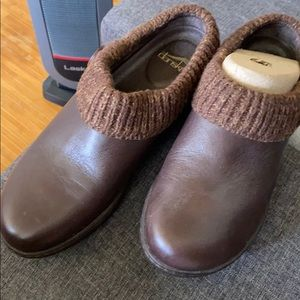 Beautiful Leather Brown Dansko Clogs 39